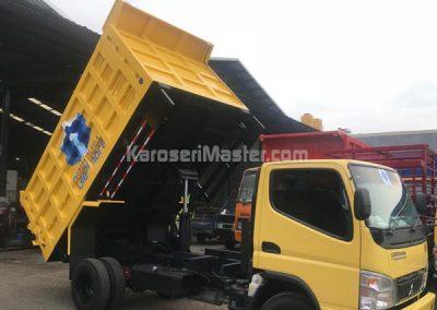 truk bak besi hidrolik