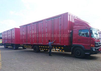 truk box gandeng