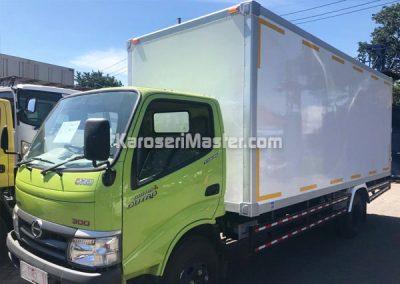 truk box pendingin
