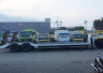 truk angkutan kendaraan berat