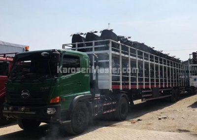 truk carrier sepeda motor